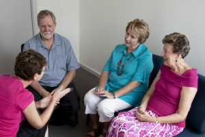 Grosome older adults in a group therapy situation